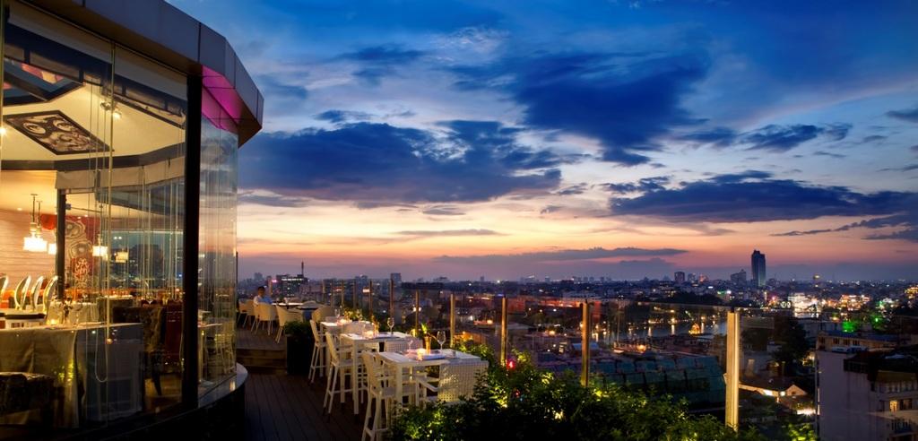 Cielo 13 Sky Bar hanoi vietnam