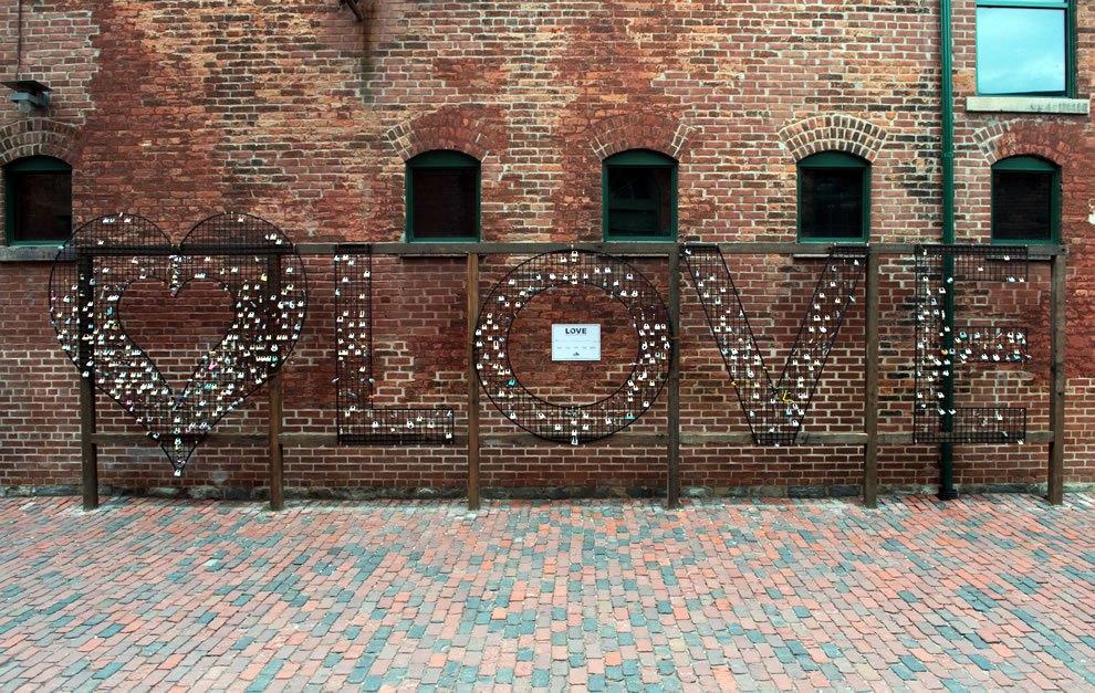 Love-locks-place-for-lovers Love locks around the world