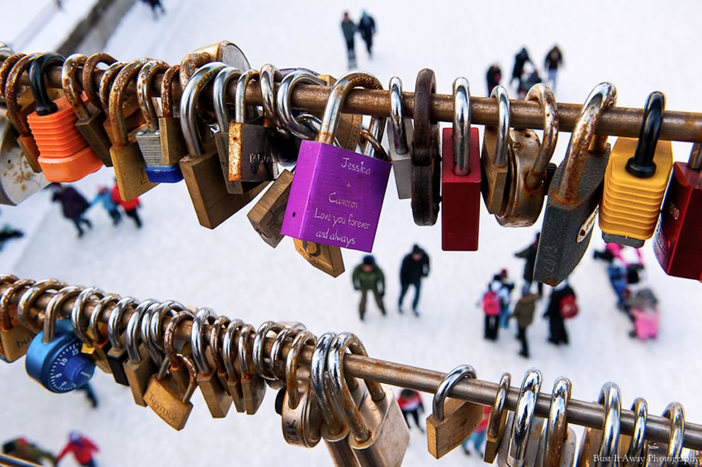 Love-padlocks-in-Ottawa-Canada Love locks around the world