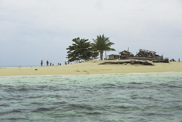 Tabbalanos island malaysia
