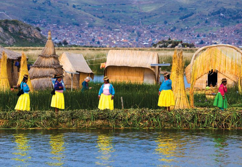 uros people Titicaca lake peru travel guides (7)