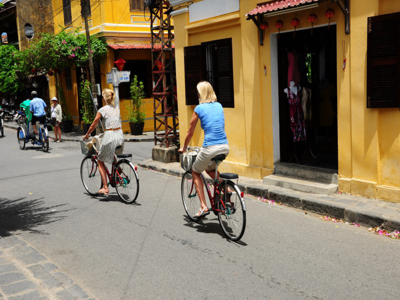 biking hoi an vietnam 2