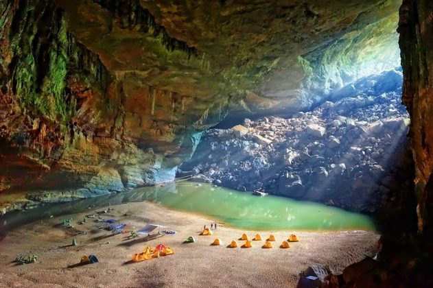 en cave phong nha ke bang national park adventure trip (1)