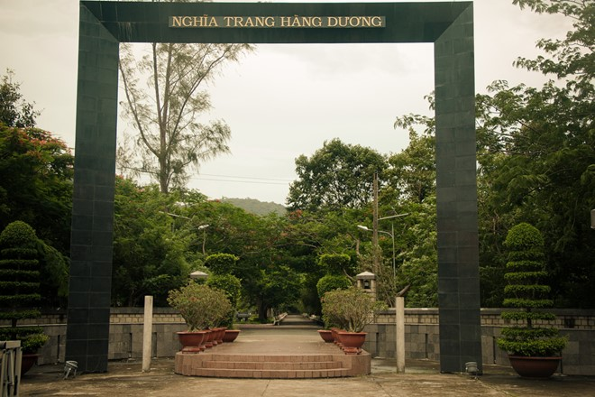 hang duong cemetary con dao island travel destinations 0