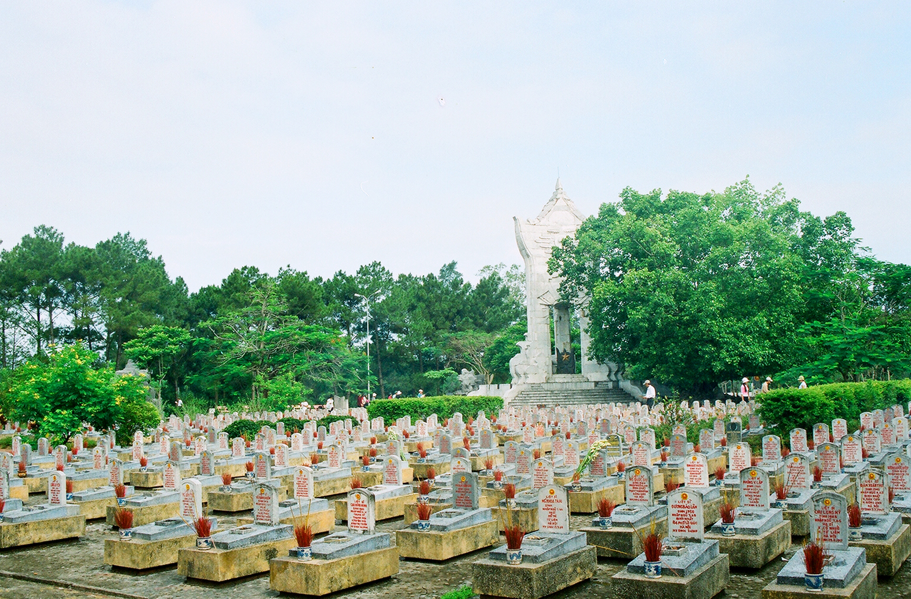 hang duong cemetary con dao island travel destinations 9