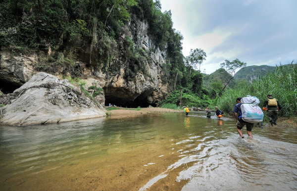 hang en cave tours trip phong nha ke bang national park vietnam (2)
