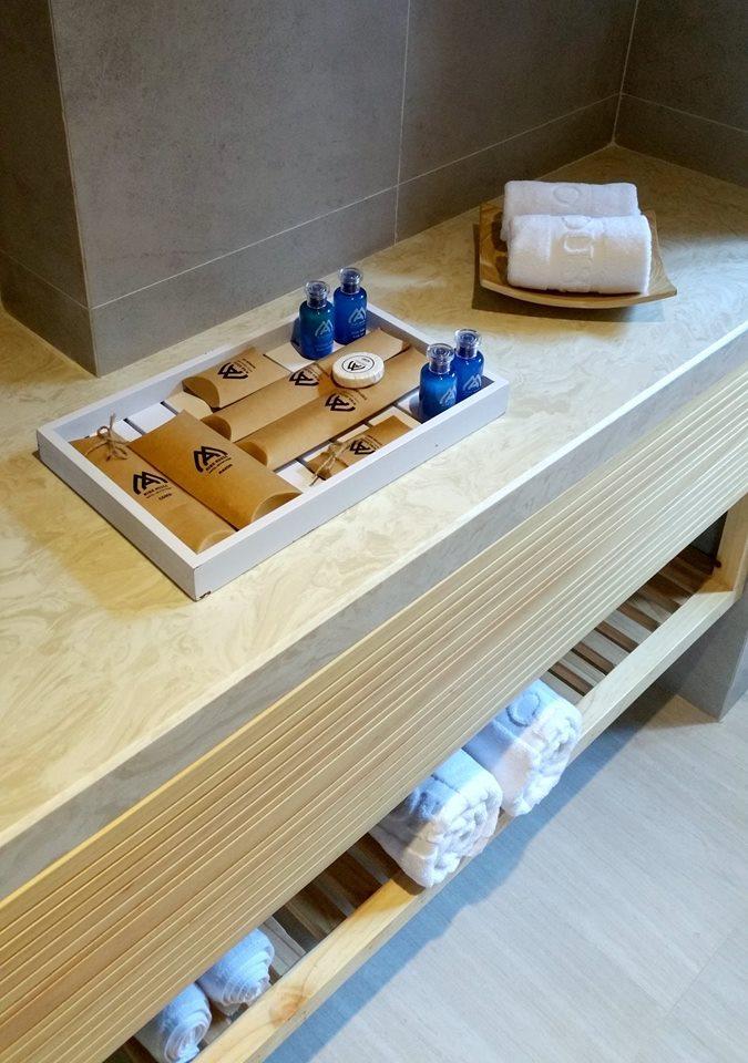 minh-house-bathroom danang travel tips