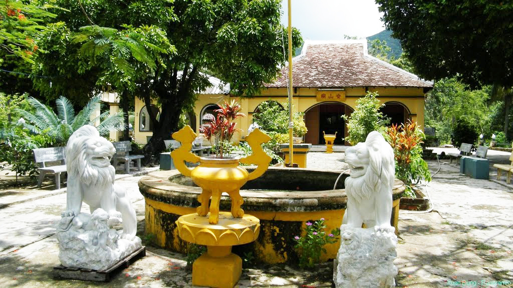 phi yen shrine con dao island travel attractions 6