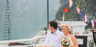 Wedding celebration on cruise halong bay 2