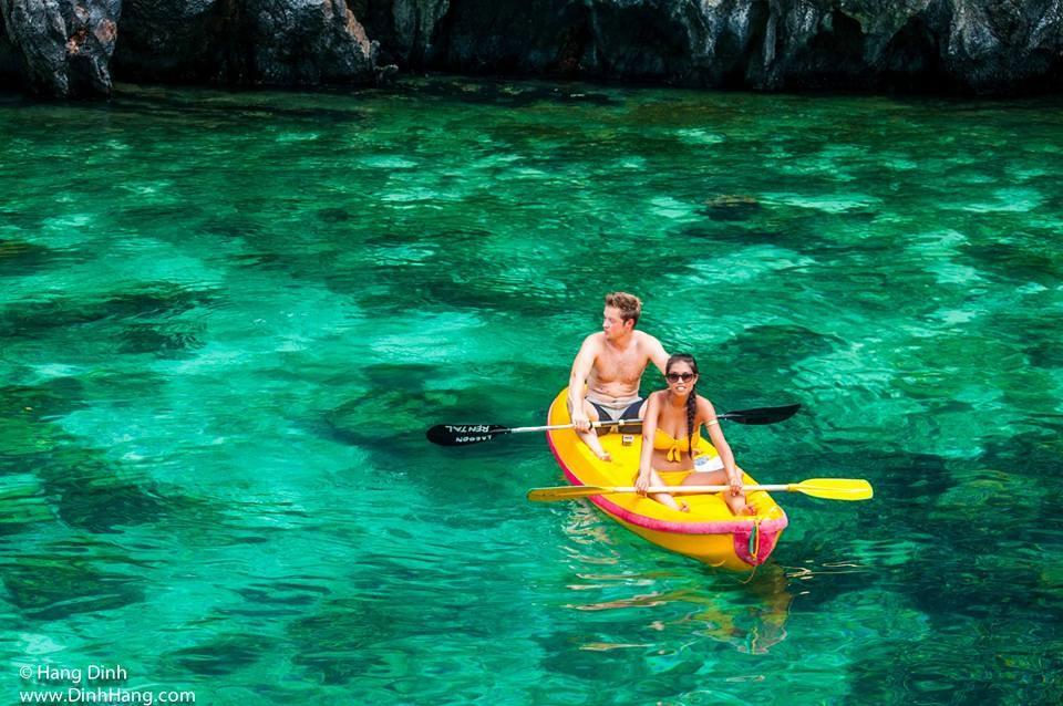 el-nido-Philippines-kayaking