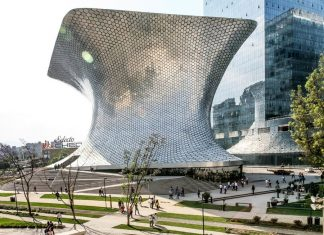 mexico-architecture-Museo-Soumaya-cr-alamy