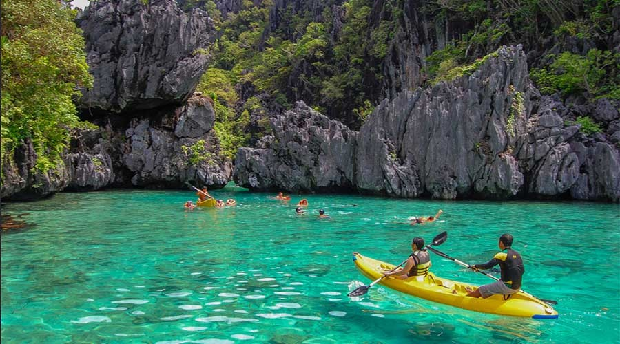 small-lagoon- 12 experience in philippines travel tips