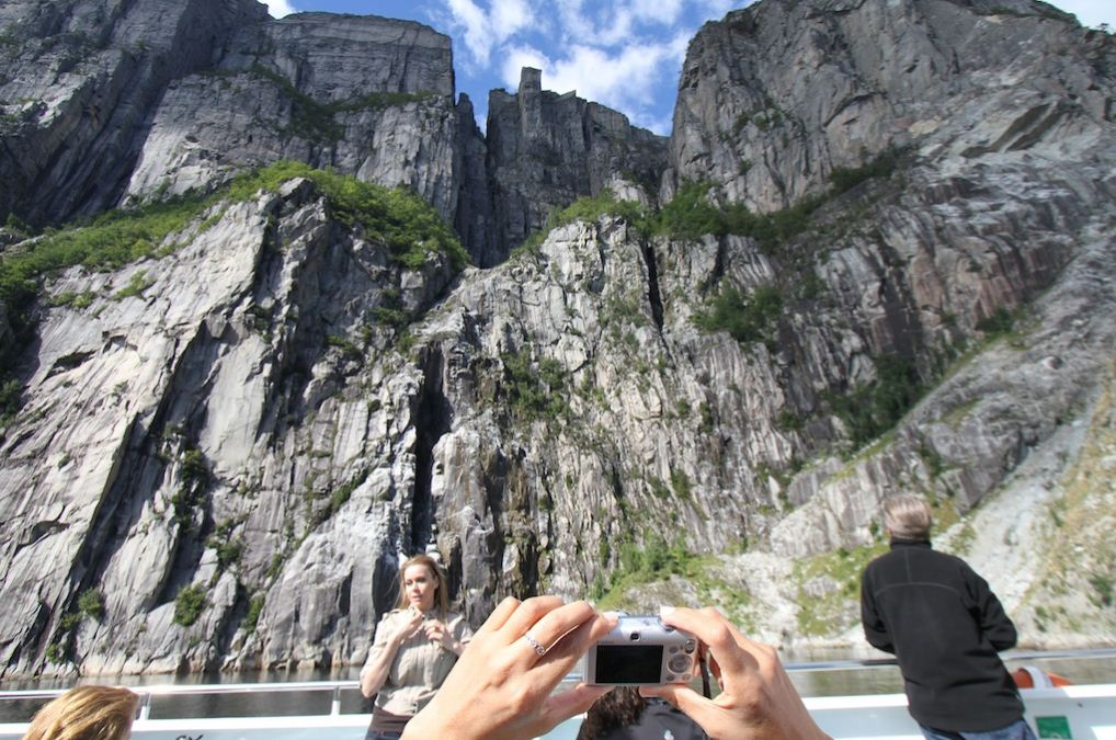 excursion Lysefjordsightseeing-cut norway guide 3
