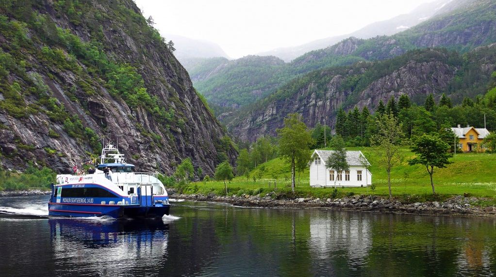 excursion Lysefjordsightseeing-cut norway guide 34
