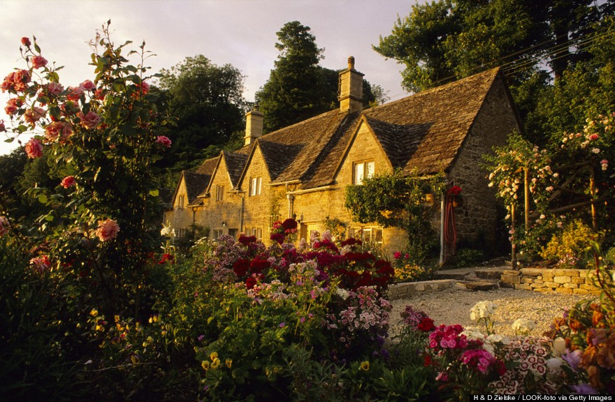 Bibury most beautiful charming ancient village in England the world photos photography uk (1)
