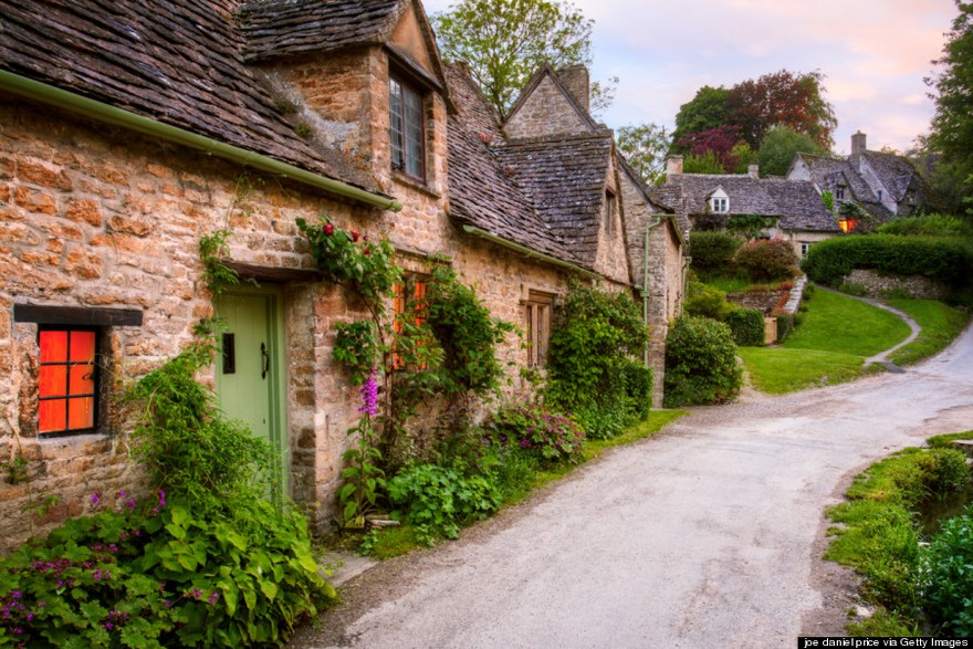 Bibury most beautiful charming ancient village in England the world photos photography uk (19)