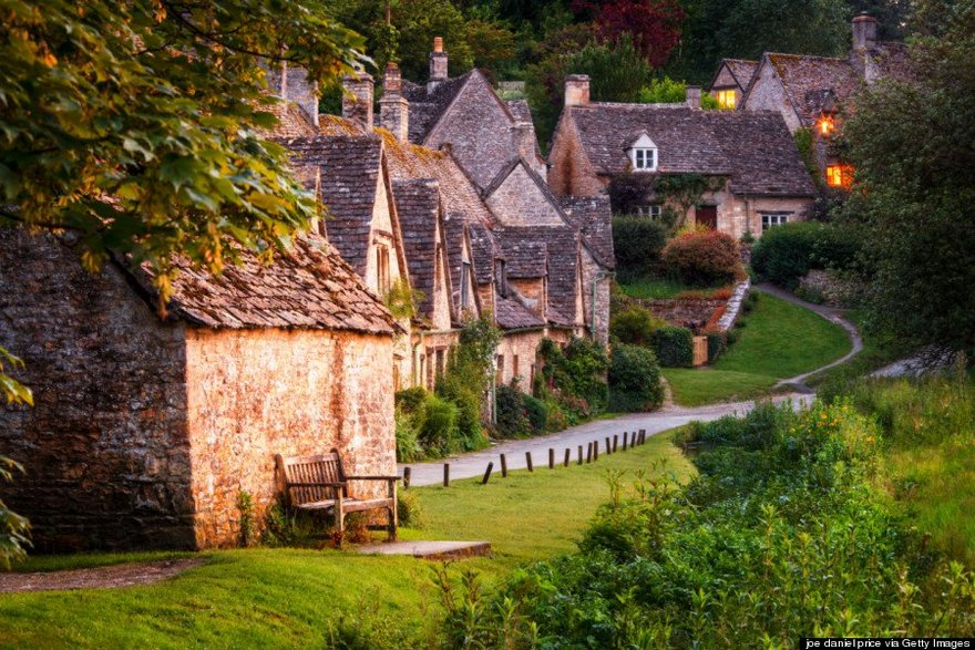 Bibury most beautiful charming ancient village in England the world photos photography uk (2)