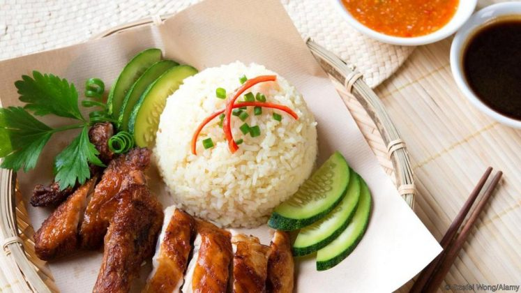 Hainanese chicken rice singapore national dishes 1