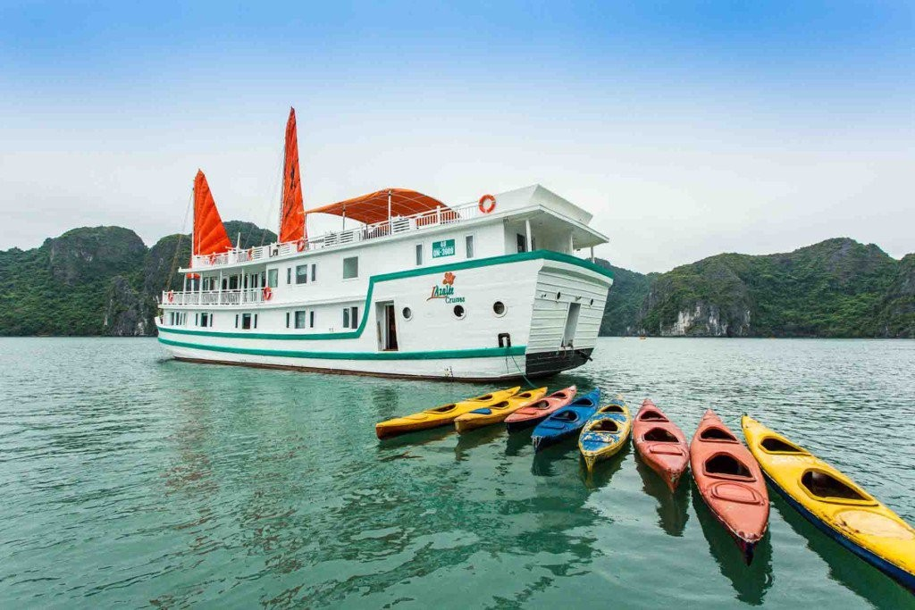 LAzalee cruise, Halong bay Vietnam