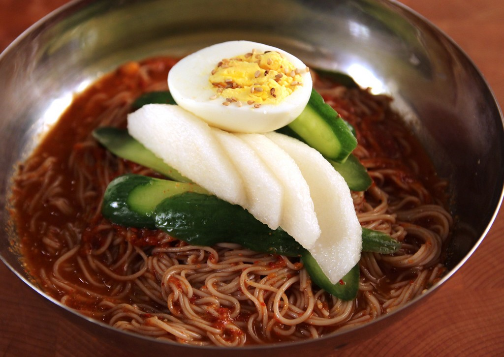 Naengmyeon, street food, seoul, korea