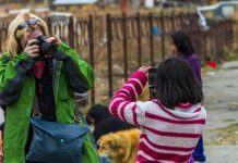 TIPS FOR TRAVEL PHOTO ETIQUETTE on the street 1