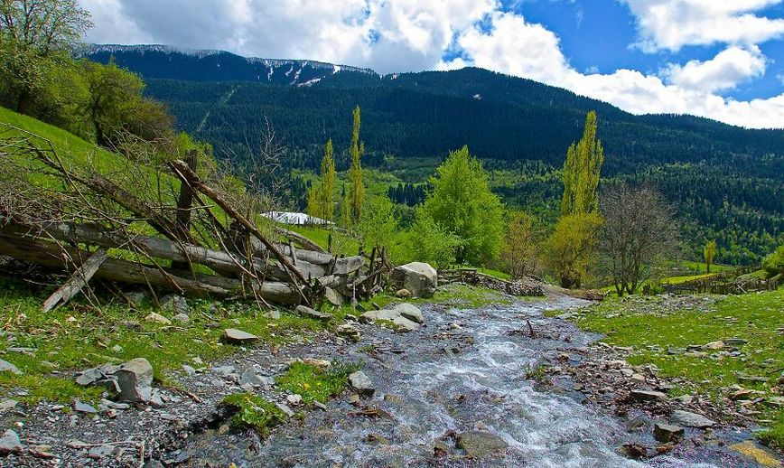 backpacking-in-georgia-land-of-caucasus-mountains beautiful images georgia photo photography travel (1)