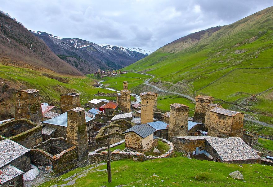 backpacking-in-georgia-land-of-caucasus-mountains beautiful images georgia photo photography travel