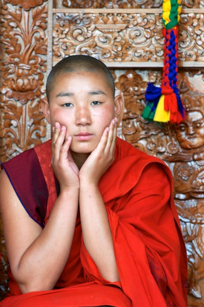 monk bhutan travel photo photography happiest country in the world 5