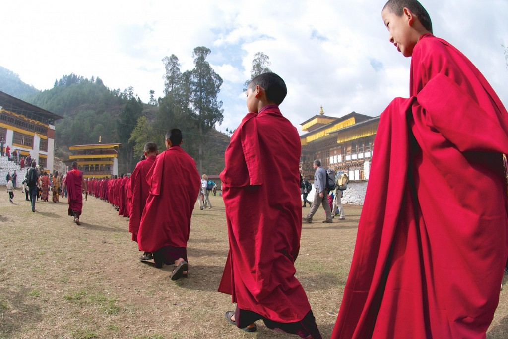 young monks bhutan travel photo photography happiest country in the world 6