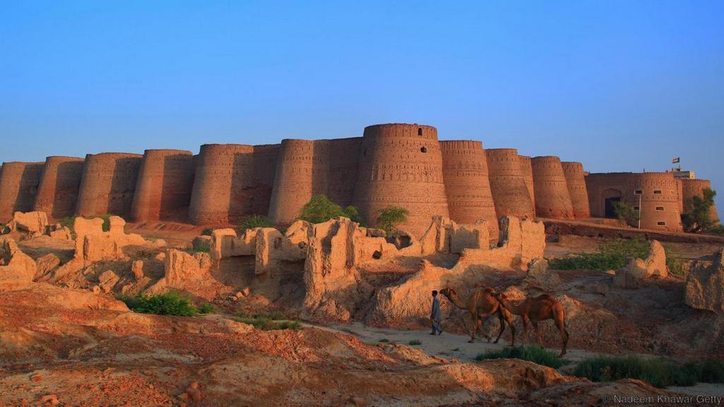 derawar fort in bahawalpur pakistan 2