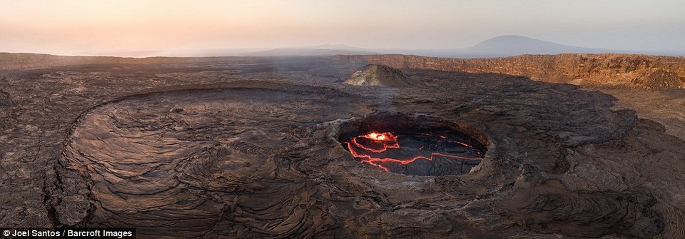 gateway of hell joel santos photographer captures rare photos of 100 year old lava lake ethiopia (1)
