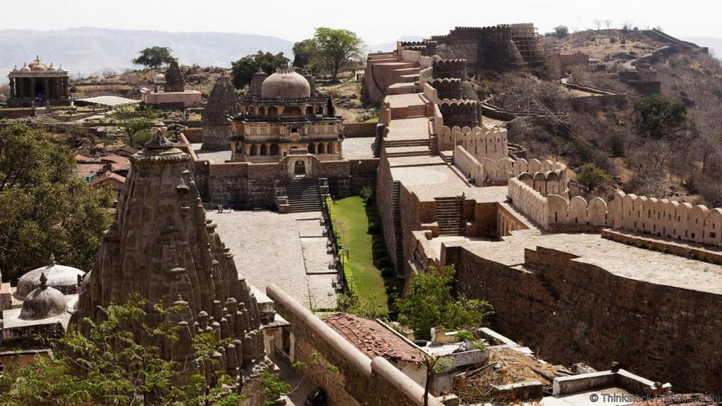 great wall of india or kumbhagarh