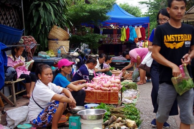 morning market, things to do, Luang Prabang, Lao