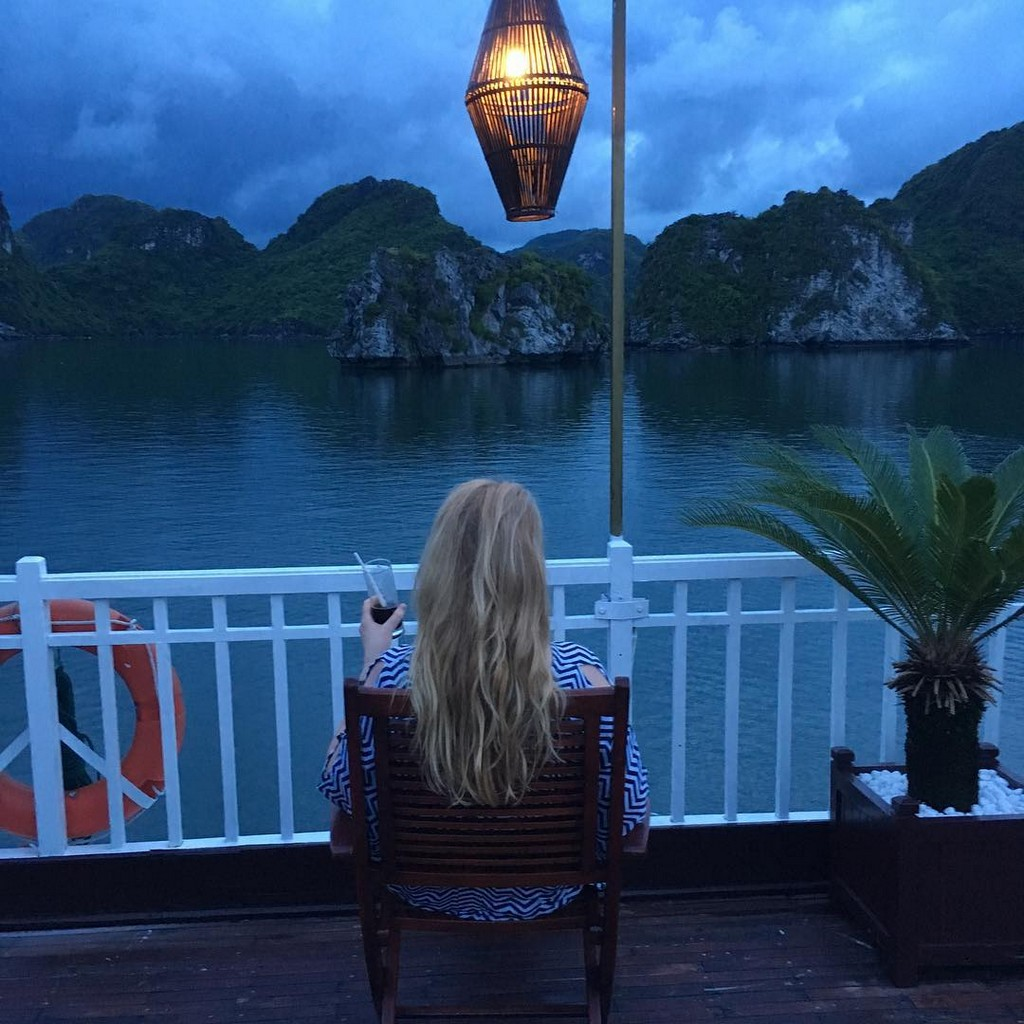 overnight cruise Halong bay, vietnam