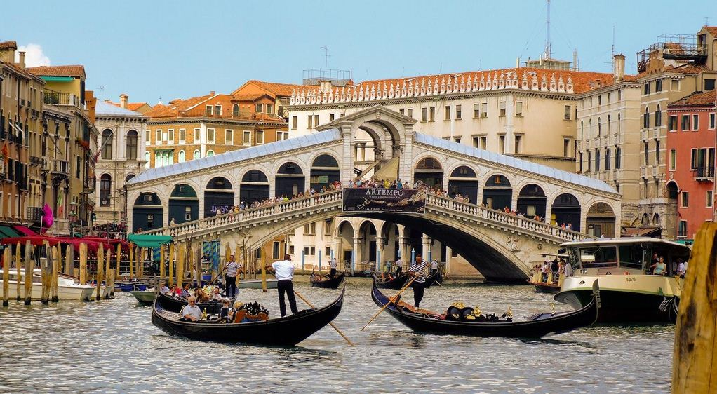 rialto-bridge-venice best free things to do in venice italy 2
