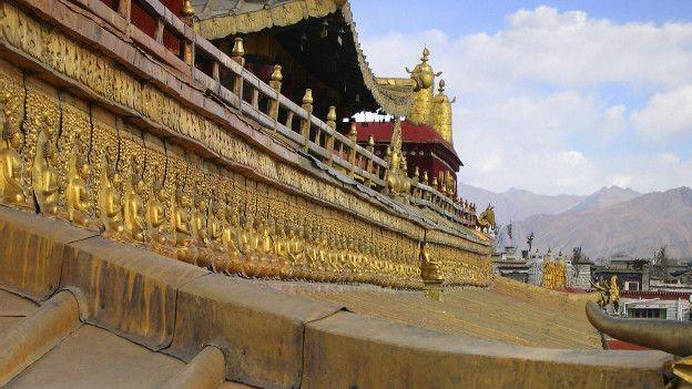 tibetan temple, sensitive topics to avoid, Asia