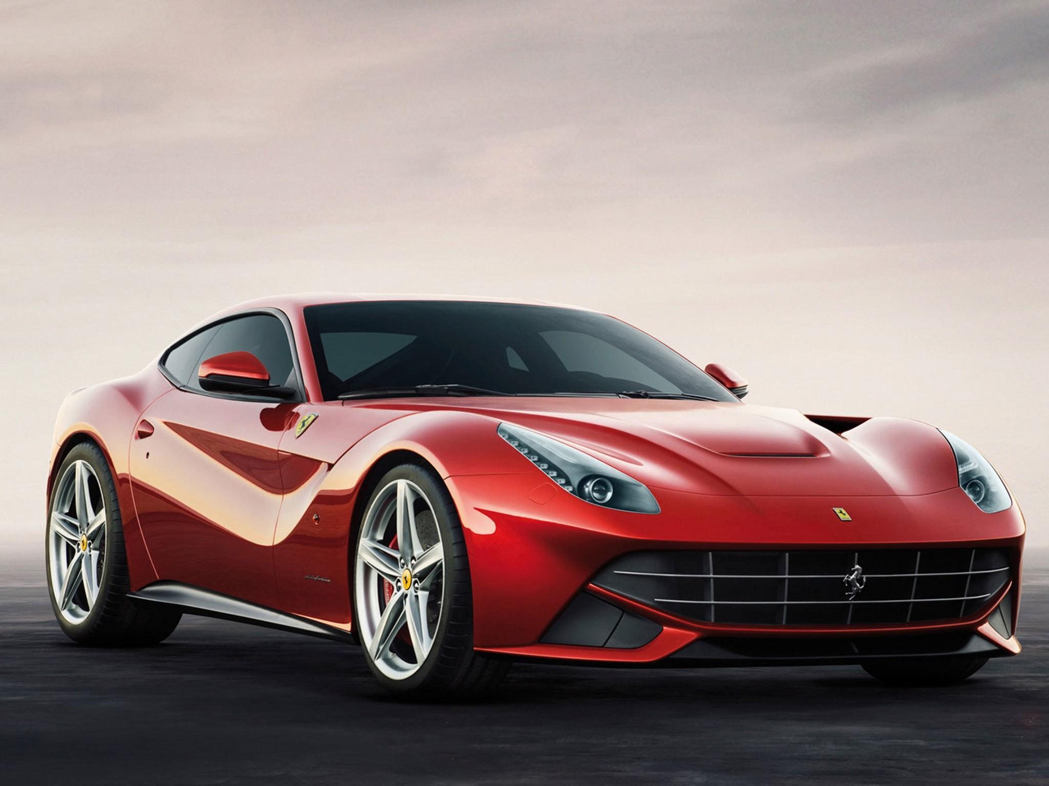 2013-Ferrari-F12-Berlinetta