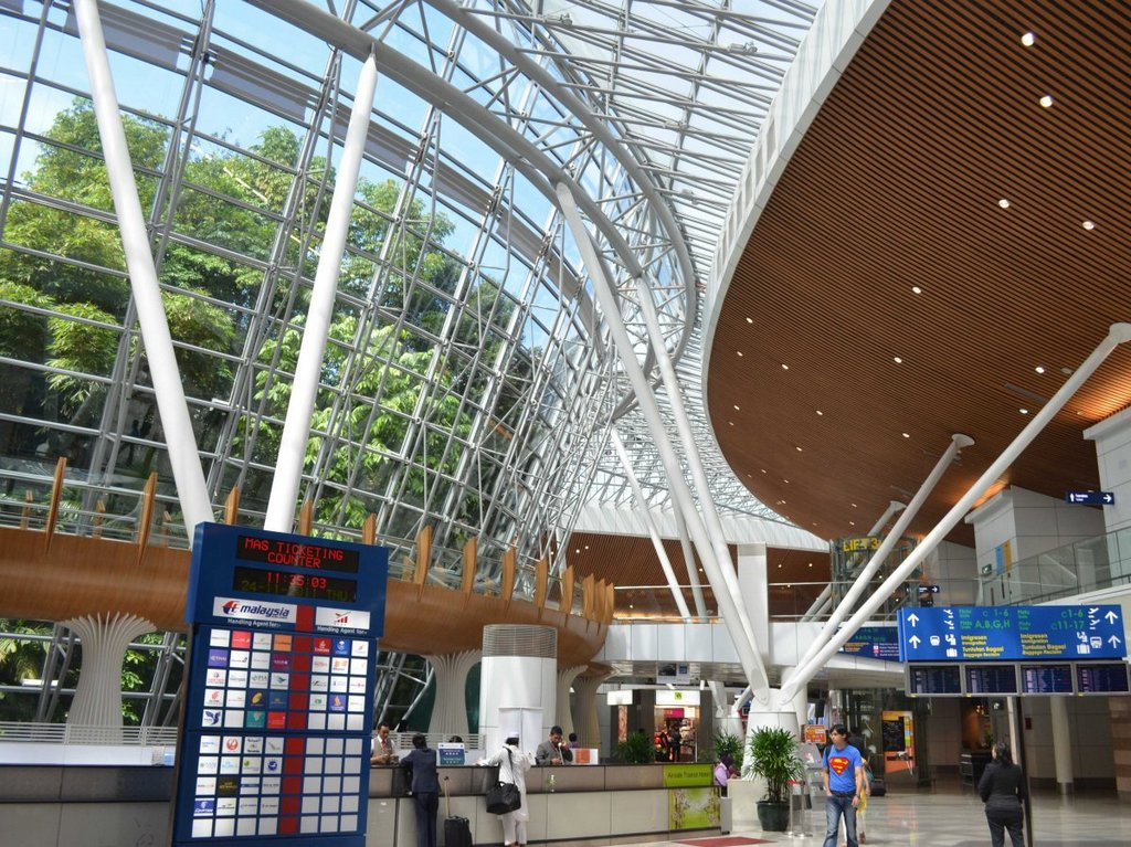 10-kuala-lumpur-international-airport-kul-best airports in asia in 2016 by skytrax ratings
