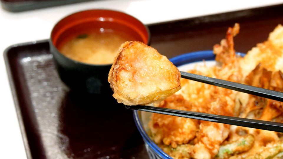 Tempura made from Fukuoka Prefecture tempura with fruit figs tempura was eaten with Tempaku Tanaya