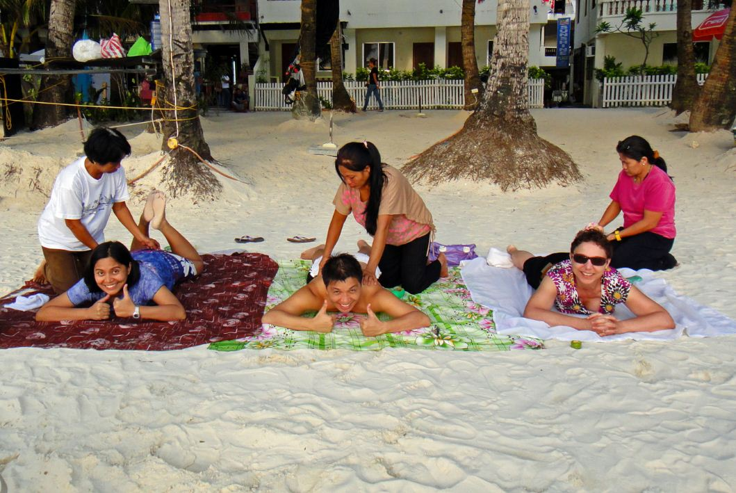 Boracay_Island_Beach_Massage things to do