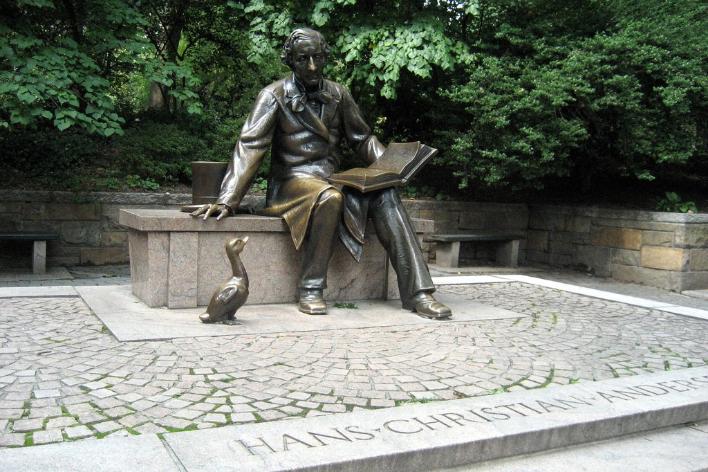 Hans-Christian Anderson statue, central park, new york, us