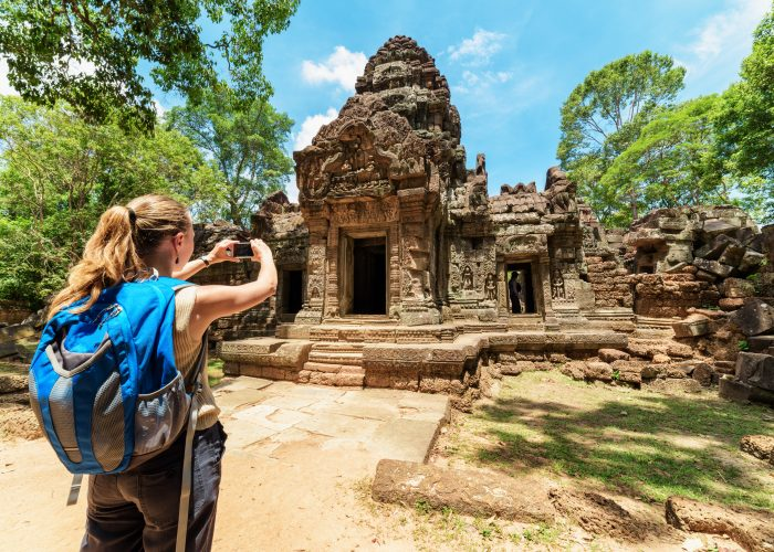 Dress-Appropriately-tips to become a good and better traveller