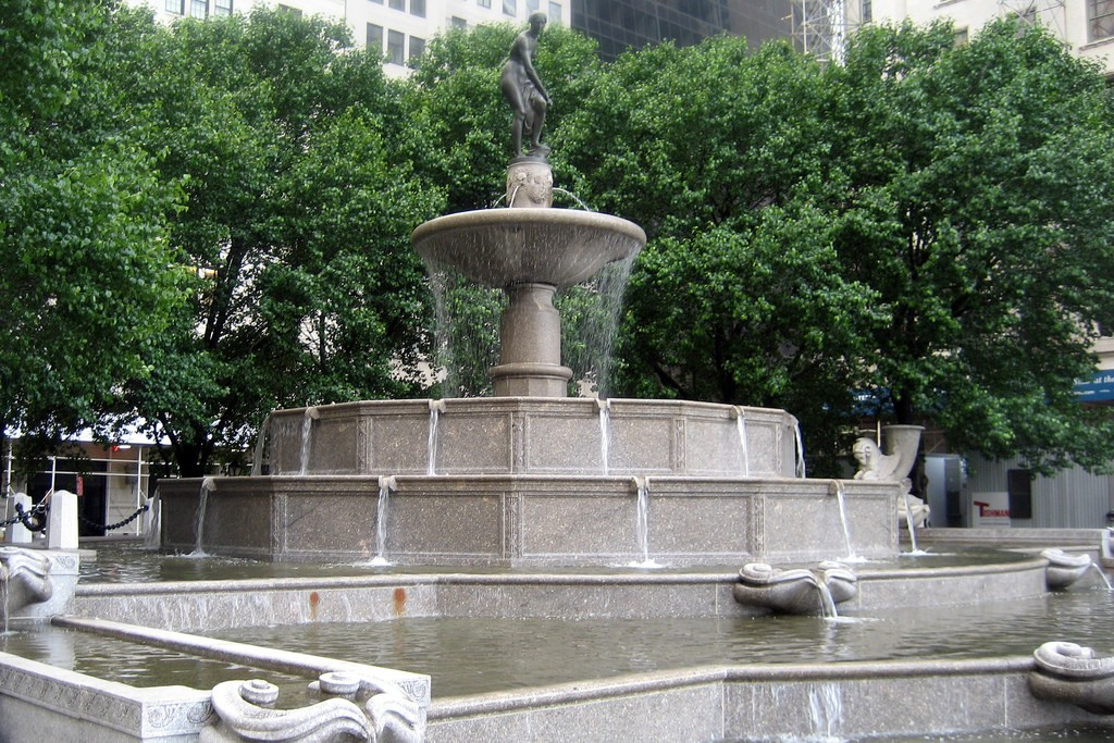 Grand Army Plaza - Pulitzer Fountain, central park, new york, us