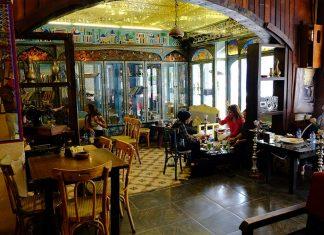 Inside-Cafe-in-Amman