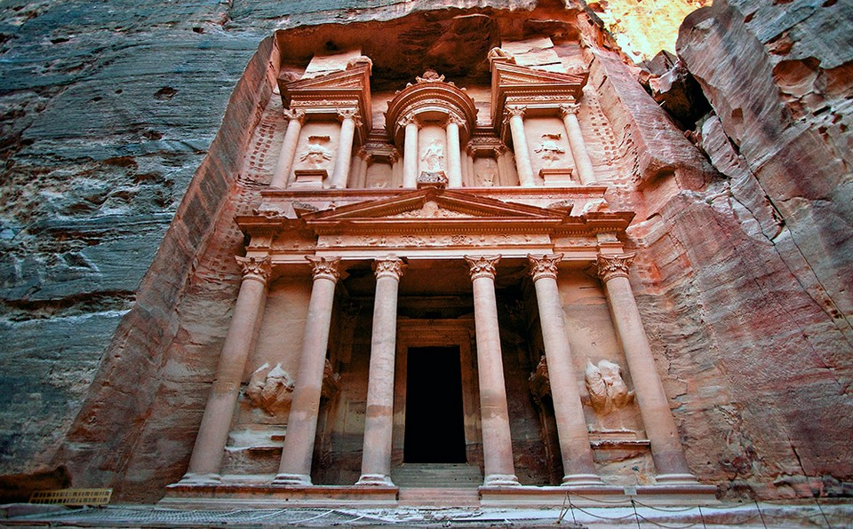 Jordan-Petra-The-Treasury-Jay-Roach-2012-IMG6352-Lg-RGB