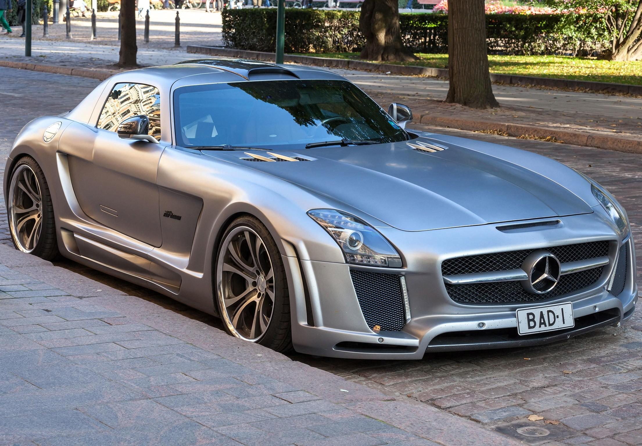 Mercedes-Benz-SLS-AMG-Roadster
