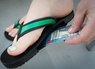 SlotFlops tips on how to to keep and hide valueables while travelling 2
