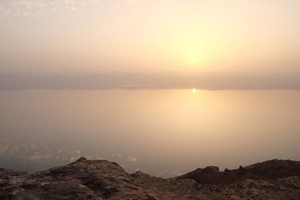 View-overlooking-Dead-Sea-from-Panorama-Cafe