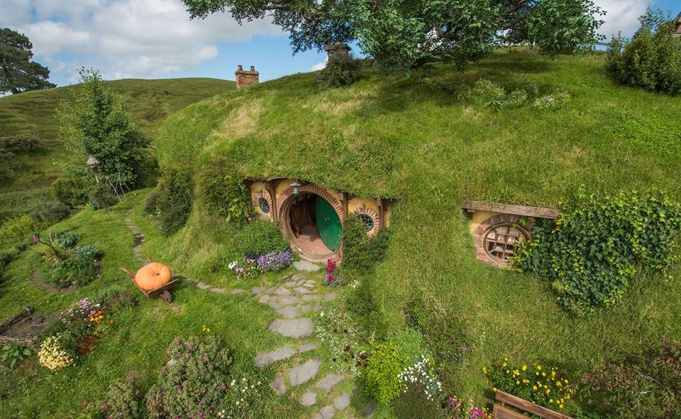 439493 Middle Earth Roleplaying Interest Check additionally 02 20Discussion 20  20Short 20Cut likewise LocationPhotoDirectLink G3395240 D1382525 I99147448 Hobbiton Movie Set Tours Hinuera Waikato Region North Island as well What Happened To Lotr Characters After The Movies I Had No Idea About Sam moreover Photos Images. on buckland from lord of the rings