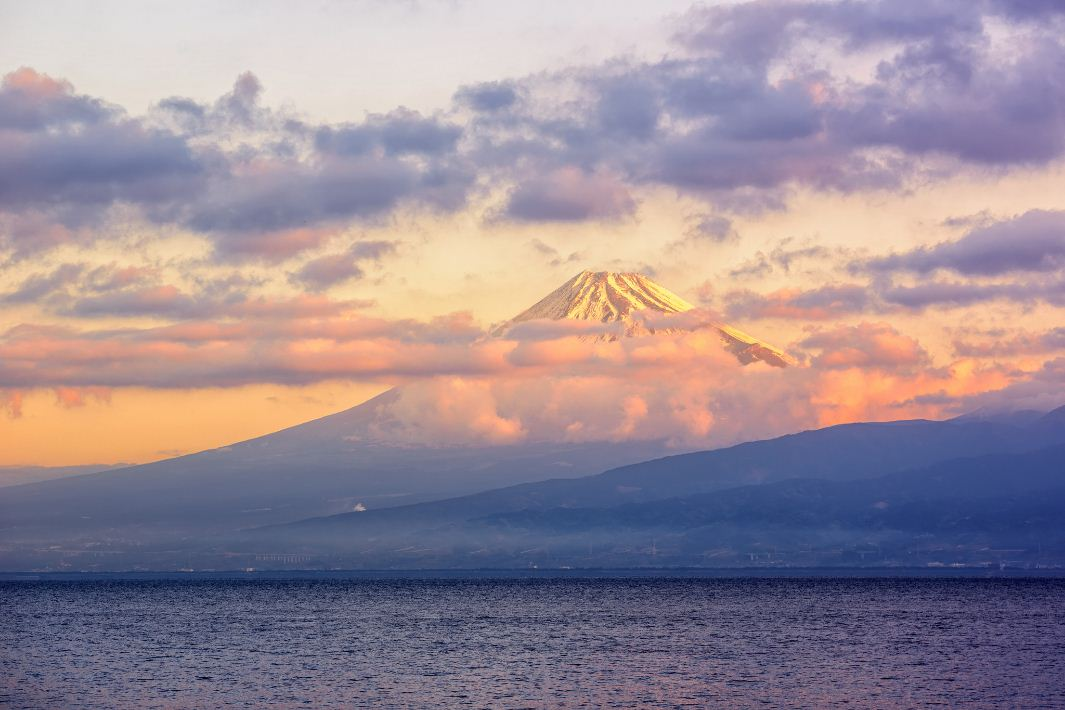 clouds cover mount fuji best places spots to take photos of mount fuji